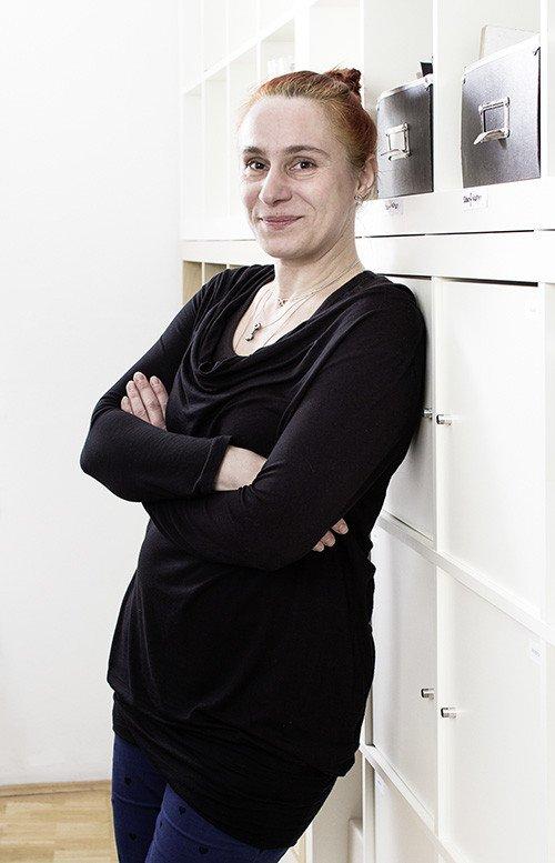 Anna Weinkauf - Empfang und Service